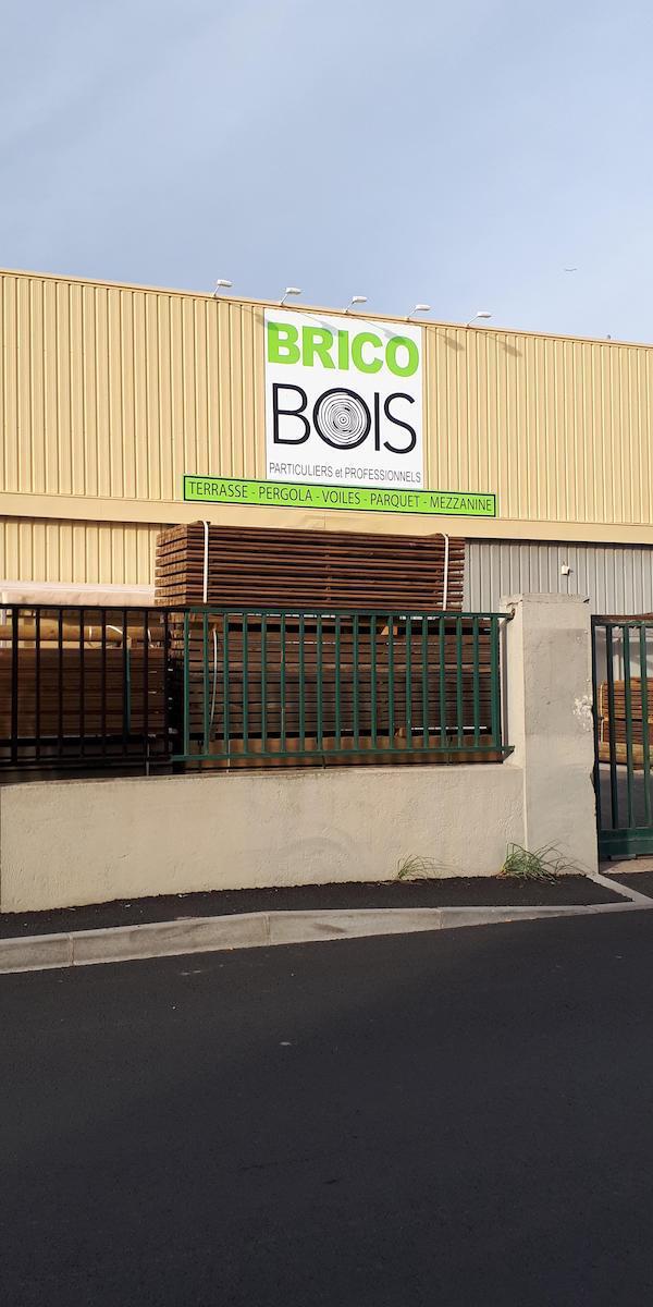 Devanture Brico Bois